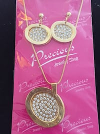 Golden and silver stones pendant and earrings set Brampton, L6R