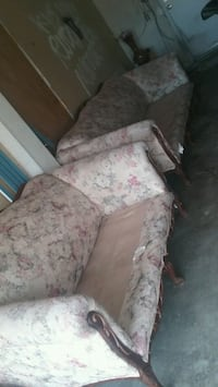 brown and pink floral fabric sofa chair Moreno Valley, 92557