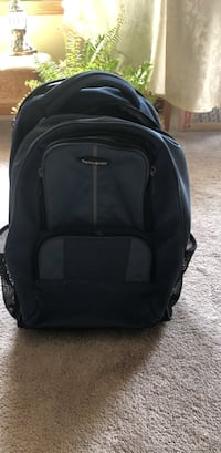 Backpack(samsonite rolling backpack) perfect for travel Lombard, 60148