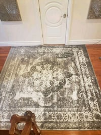 8ft square rug and matching 7 ft runner Chicago, 60612