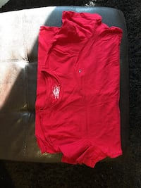 Red Large Tommy Hilfiger T Shirt  GUELPH