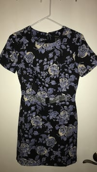 Black, blue, and white floral short-sleeved pleated midi dress NEVER WORN  Moreno Valley, 92553