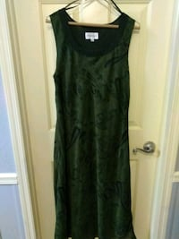 Nice Womans Dress $10 New Saint Martinville, 70582