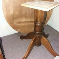wooden dining table Newmarket, L3X