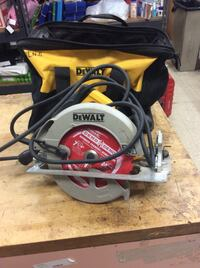 Dewalt circular saw power tool  DWE575sb used . With case Tested. In a good working order.  Baltimore, 21205