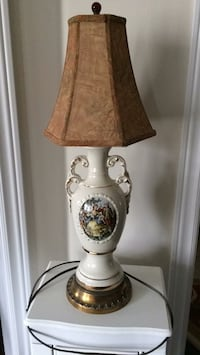 Table lamp French porcelain  Brampton, L7A 4M8