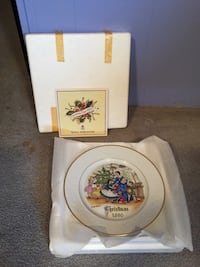 Decorative Plate by Royal Worcester  Toronto, M6E 2M4