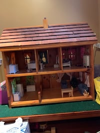 Antique wooden display doll house