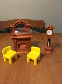 Little tikes dollhouse furniture Niagara Falls, L2H 1X3