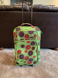 Adorable flowered suitcase Sioux Falls, 57103