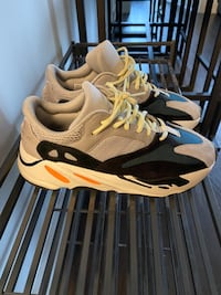 Yeezy Wave Runner 700 Size: 9 Condition 9/10 $580 Toronto, M5V 4A5