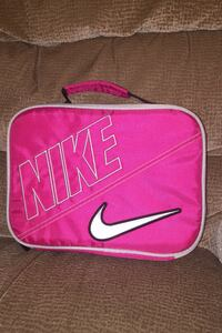 Nike lunchbox brand new used once Adamstown, 21710