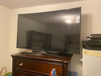 Samsung tv 55 curved. -broken screen-you can used stand or another Markham, L6E 0C6