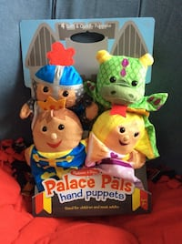 Castle Theme Hand Puppets Kids Toy New Wheeling, 60090