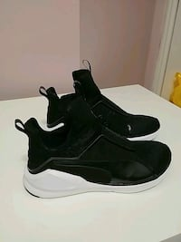pair of black-and-white basketball shoes Vaughan, L6A 2W6