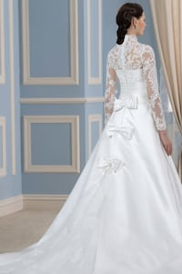 Women's white wedding gown Ashburn, 20147
