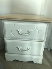 Small 2 drawer bedside table Toronto, M5S 1G6