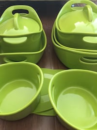 Bubble & Brown Pea Green (11-Pieces) Set Bakeware and Silicone Trivets Washington, 20001