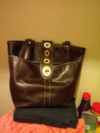 Brown leather coach purse Temple, 76501