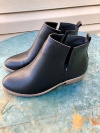 NEW Women's Black Ankle Boots size 10 Pittsburgh, 15237