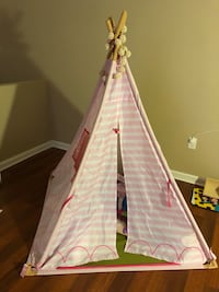 Girl's play tent