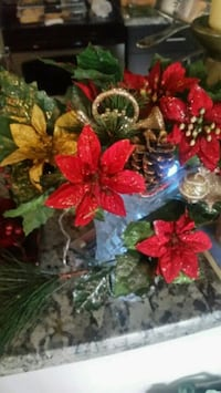 red and green floral wreath Hamilton