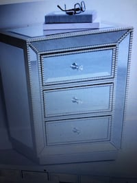 Three drawer near the accent table Surrey, V4N 6H4