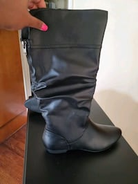 Womens size 13 wide boots New Detroit, 48202