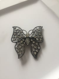 Silver-colored diamond studded ring Whitby, L1N 2J2