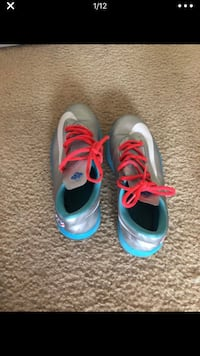 3 pair of KD's Charlotte, 28269