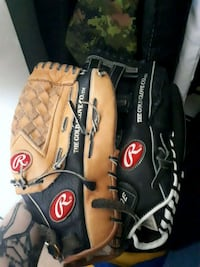 2 rawling ball gloves  Shearwater, B0J 3A0