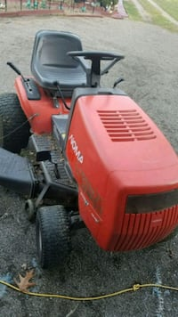 Tractor / riding lawnmower. Mulcher. Runs,  just cut grass with it.