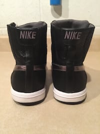 Women's Size 8 Nike Blazer Mid Leather Shoes London