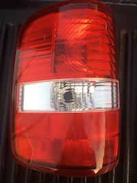 2005 Ford F-150 driver side tail light   Los Angeles, 90063
