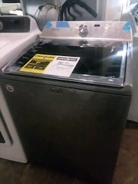 Maytag top load washer brand new scratch and dent  Baltimore, 21223