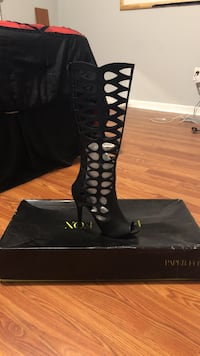 Unpaired black suede open-toe stiletto knee-high sandal with black box Buford, 30519