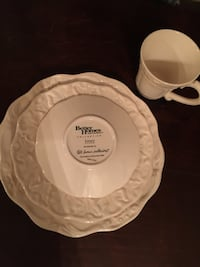 Dish set from Better Homes and Gardens Los Angeles, 90026