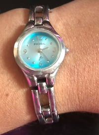 round silver-colored analog watch with link bracelet Washington, 20024
