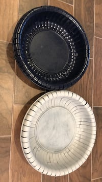 2 Decorative baskets can be painted. Both 17 inch diameter Tampa, 33616