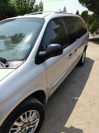 Chrysler - Town and Country - 2002 Visalia, 93291