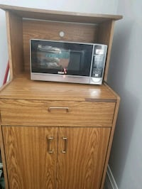 Microwave and stand Kitchener, N2G 1N4