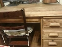 Solid oak desk with 4 drawers and  pull out