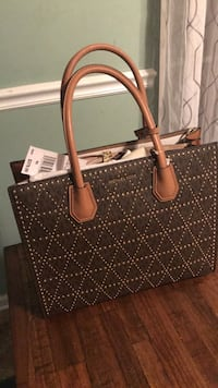 women's brown Louis Vuitton Monogram leather tote bag Murfreesboro, 37130