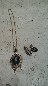 gold Onyx pendant necklace with earrings set