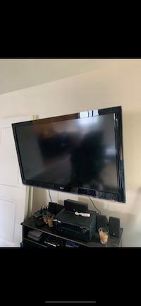 "55"" LCD TV  with full adjustable wall mount  West Covina, 91790"