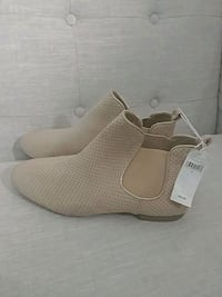Brand new, never worn before, size 10 ladies, Gap  Victoria, V9C 1G4