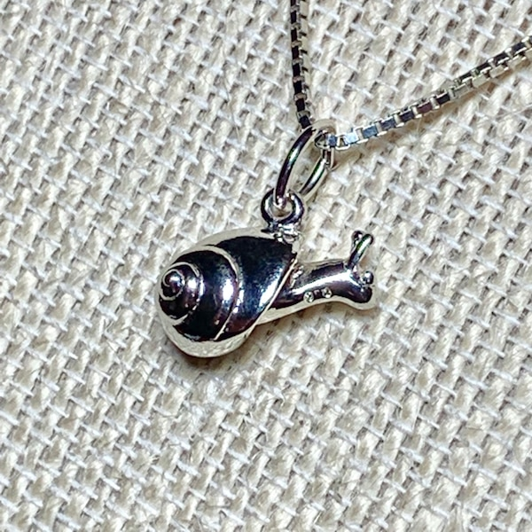Genuine Sterling Silver Snail Pendant with Sterling Box Chain 73d8b100-252e-47a4-9e90-3ad506409123