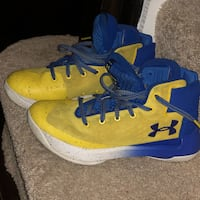 pair of blue-and-yellow Nike basketball shoes Ashburn, 20148