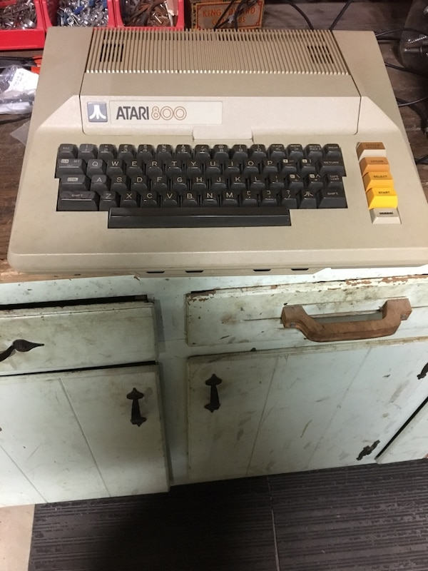 Used ATARI 800 home computer  Has ATARI modem and old style