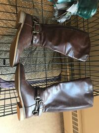 Women's zip up tall boots  London, N5Y 2A2